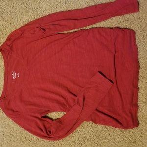 Medium maternity light weight long sleeved tshirt